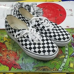 Vans high sole checkered lace up
